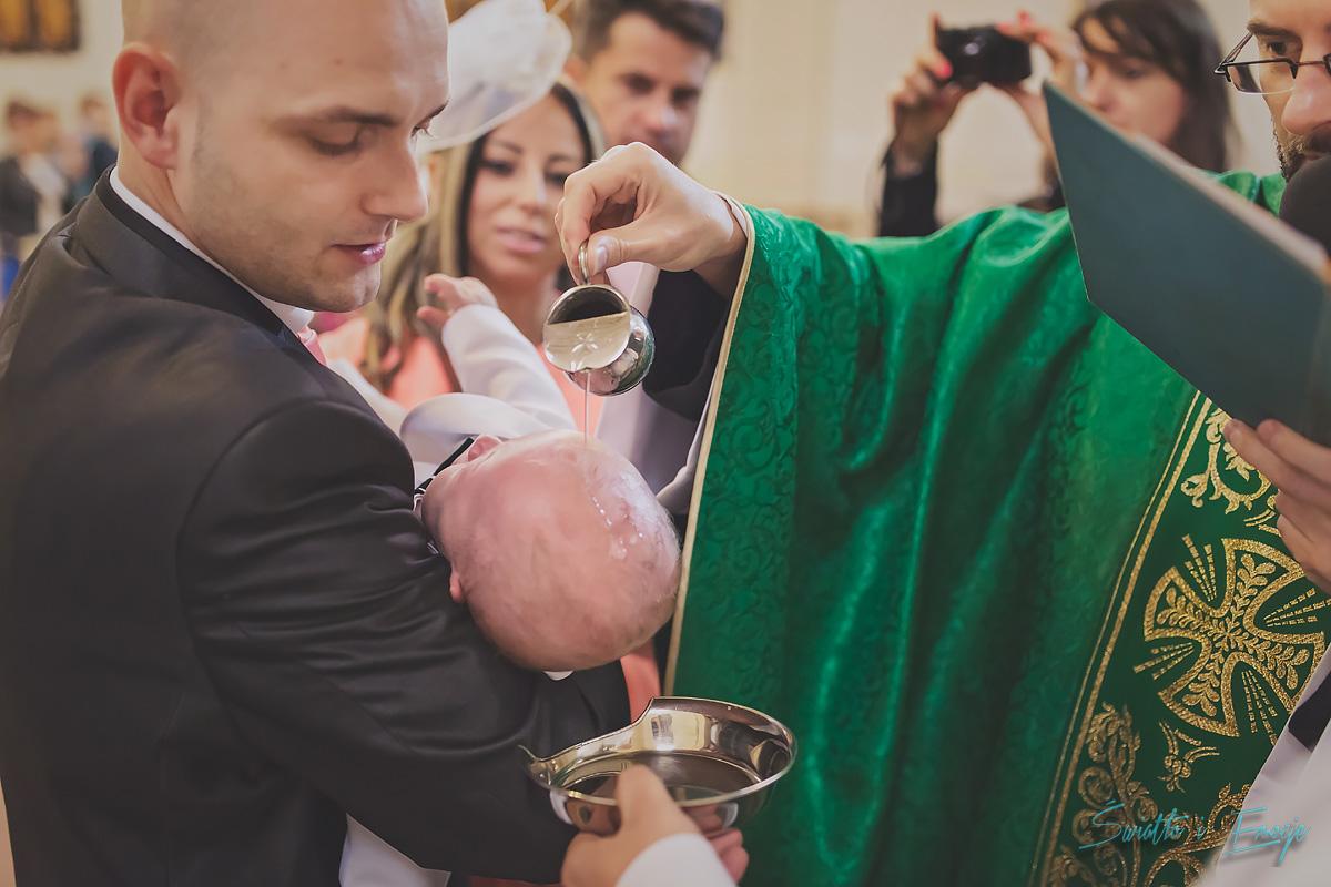 fotograf na chrzest swiatlo i emocje