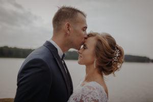 sesja poslubna plener jezioro plaza las Chomiaza Szlachecka fotograf na slub wesele Światło i Emocje (11)