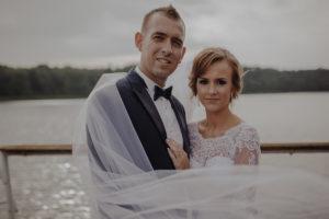 sesja poslubna plener jezioro plaza las Chomiaza Szlachecka fotograf na slub wesele Światło i Emocje (17)