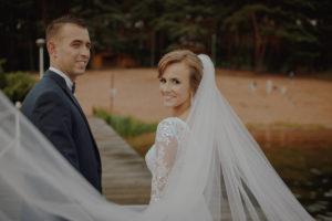 sesja poslubna plener jezioro plaza las Chomiaza Szlachecka fotograf na slub wesele Światło i Emocje (19)
