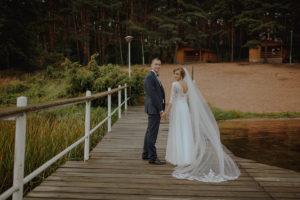sesja poslubna plener jezioro plaza las Chomiaza Szlachecka fotograf na slub wesele Światło i Emocje (20)