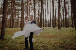 sesja poslubna plener jezioro plaza las Chomiaza Szlachecka fotograf na slub wesele Światło i Emocje (25)