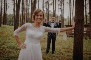 sesja poslubna plener jezioro plaza las Chomiaza Szlachecka fotograf na slub wesele Światło i Emocje (26)