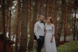 sesja poslubna plener jezioro plaza las Chomiaza Szlachecka fotograf na slub wesele Światło i Emocje (34)