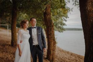 sesja poslubna plener jezioro plaza las Chomiaza Szlachecka fotograf na slub wesele Światło i Emocje (36)