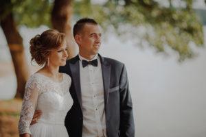 sesja poslubna plener jezioro plaza las Chomiaza Szlachecka fotograf na slub wesele Światło i Emocje (37)