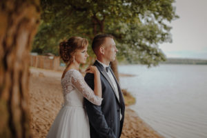 sesja poslubna plener jezioro plaza las Chomiaza Szlachecka fotograf na slub wesele Światło i Emocje (38)