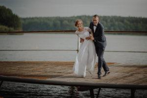 sesja poslubna plener jezioro plaza las Chomiaza Szlachecka fotograf na slub wesele Światło i Emocje (39)