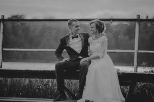 sesja poslubna plener jezioro plaza las Chomiaza Szlachecka fotograf na slub wesele Światło i Emocje (40)