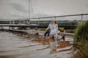 sesja poslubna plener jezioro plaza las Chomiaza Szlachecka fotograf na slub wesele Światło i Emocje (49)