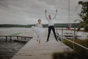 sesja poslubna plener jezioro plaza las Chomiaza Szlachecka fotograf na slub wesele Światło i Emocje (55)