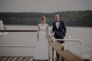 sesja poslubna plener jezioro plaza las Chomiaza Szlachecka fotograf na slub wesele Światło i Emocje (6)