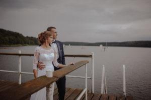 sesja poslubna plener jezioro plaza las Chomiaza Szlachecka fotograf na slub wesele Światło i Emocje (8)