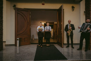 reportaż slubny Pakosc fotograf slubny swiatlo i emocje torun bydgoszcz inowroclaw Natalia i Karol (81)