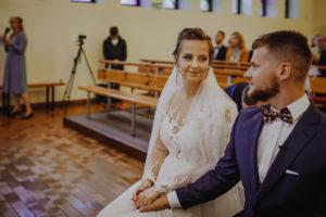 reportaz Bydgoszcz, przyjecie karczma Kujawska, kosciol Pw. Matki Bozej Krolowej Meczennikow, swiatlo i emocje, Marta i Szymon  (111)