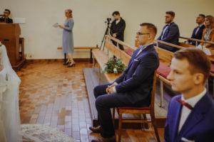 reportaz Bydgoszcz, przyjecie karczma Kujawska, kosciol Pw. Matki Bozej Krolowej Meczennikow, swiatlo i emocje, Marta i Szymon (117)