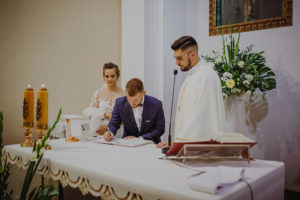 reportaz Bydgoszcz, przyjecie karczma Kujawska, kosciol Pw. Matki Bozej Krolowej Meczennikow, swiatlo i emocje, Marta i Szymon  (122)