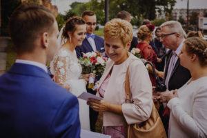 reportaz Bydgoszcz, przyjecie karczma Kujawska, kosciol Pw. Matki Bozej Krolowej Meczennikow, swiatlo i emocje, Marta i Szymon (148)