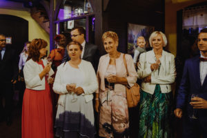 reportaz Bydgoszcz, przyjecie karczma Kujawska, kosciol Pw. Matki Bozej Krolowej Meczennikow, swiatlo i emocje, Marta i Szymon (183)