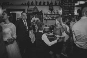 reportaz Bydgoszcz, przyjecie karczma Kujawska, kosciol Pw. Matki Bozej Krolowej Meczennikow, swiatlo i emocje, Marta i Szymon  (236)
