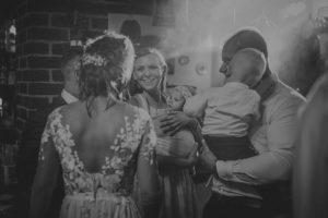 reportaz Bydgoszcz, przyjecie karczma Kujawska, kosciol Pw. Matki Bozej Krolowej Meczennikow, swiatlo i emocje, Marta i Szymon (281)