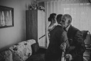 reportaz Bydgoszcz, przyjecie karczma Kujawska, kosciol Pw. Matki Bozej Krolowej Meczennikow, swiatlo i emocje, Marta i Szymon (58)
