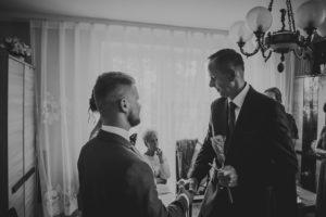 reportaz Bydgoszcz, przyjecie karczma Kujawska, kosciol Pw. Matki Bozej Krolowej Meczennikow, swiatlo i emocje, Marta i Szymon  (60)