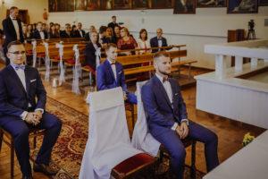 reportaz Bydgoszcz, przyjecie karczma Kujawska, kosciol Pw. Matki Bozej Krolowej Meczennikow, swiatlo i emocje, Marta i Szymon (67a) (5)