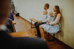reportaz Bydgoszcz, przyjecie karczma Kujawska, kosciol Pw. Matki Bozej Krolowej Meczennikow, swiatlo i emocje, Marta i Szymon (70)