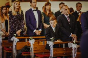reportaz Bydgoszcz, przyjecie karczma Kujawska, kosciol Pw. Matki Bozej Krolowej Meczennikow, swiatlo i emocje, Marta i Szymon (94)
