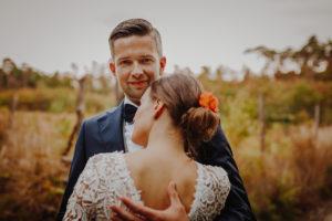 lesny plener poslubny las plaza jezioro fotografie slubne Poznan Mogilno Torun Inowroclaw Swiatlo i emocje pl (15)