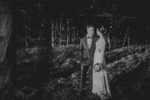 lesny plener poslubny las plaza jezioro fotografie slubne Poznan Mogilno Torun Inowroclaw Swiatlo i emocje pl (39)