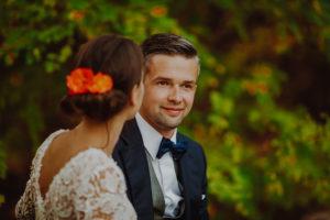 lesny plener poslubny las plaza jezioro fotografie slubne Poznan Mogilno Torun Inowroclaw Swiatlo i emocje pl (6)