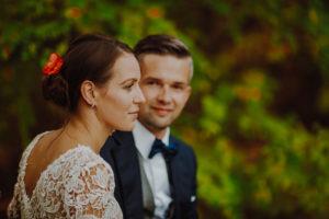 lesny plener poslubny las plaza jezioro fotografie slubne Poznan Mogilno Torun Inowroclaw Swiatlo i emocje pl (7)
