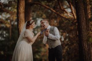 sesja poslubna las dwor Hulanka wyspa Mlynska fotograf na Twoj slub Bydgoszcz Torun Swiatlo i Emocje pl Agata i Karol (11)